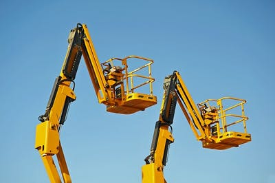 5 Things to Know Before Hiring a Cherry Picker