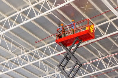 6 Things to Know Before Hiring a Scissor Lift