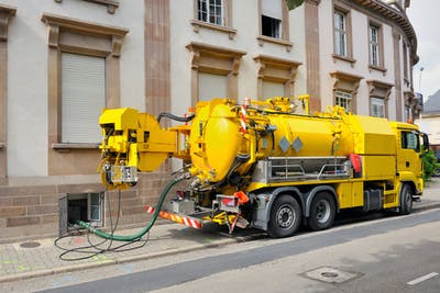 What are the best vacuum truck manufacturers